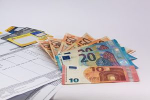 Euro koło dokumentów