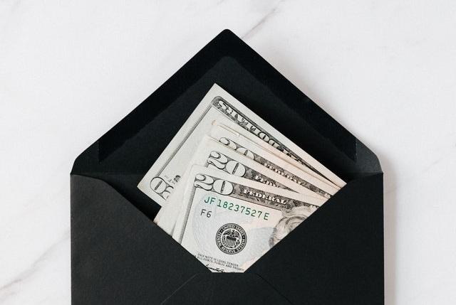 Koperta z pieniędzmi